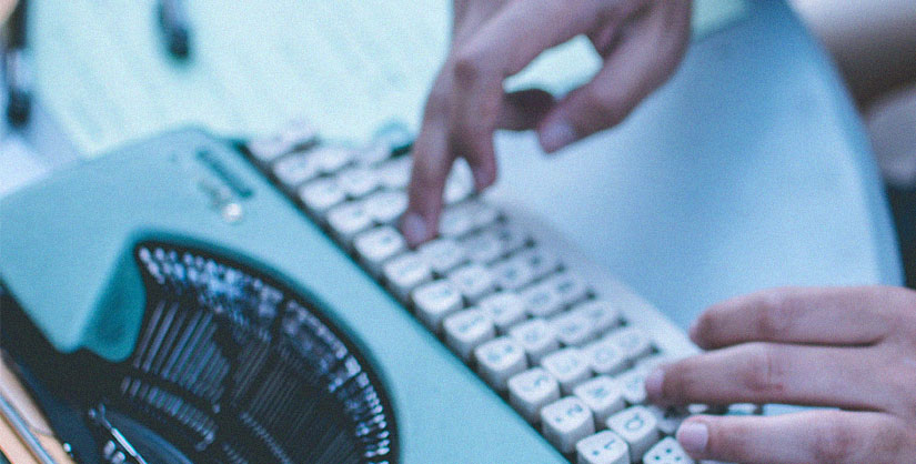 Hands typing on a typewriter | Readable, free readability test